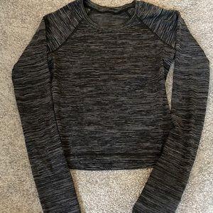 Lululemon Swiftly Long sleeve size 4 gray/black
